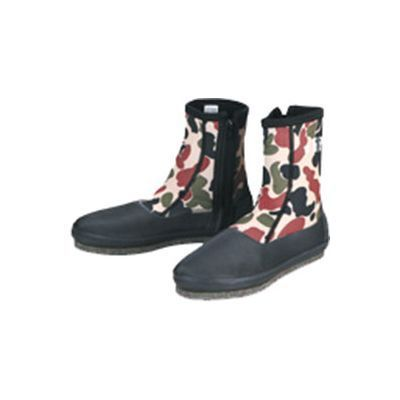 F-107-Camouflage-spikes-boots