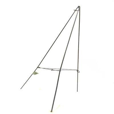 Wreath Triangle Strut