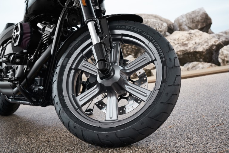 哈雷戴維森公司下調其摩托車預期出貨量