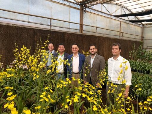 駐巴拉圭大使參訪我駐團花卉中心及魚苗繁殖中心